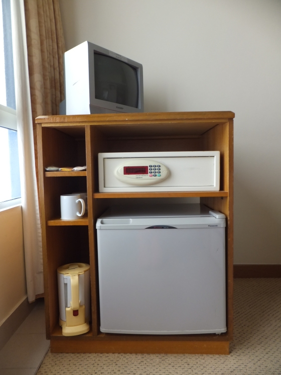 First World Hotel Rm Lvl 4 - Tv, Safety Box & Fridge