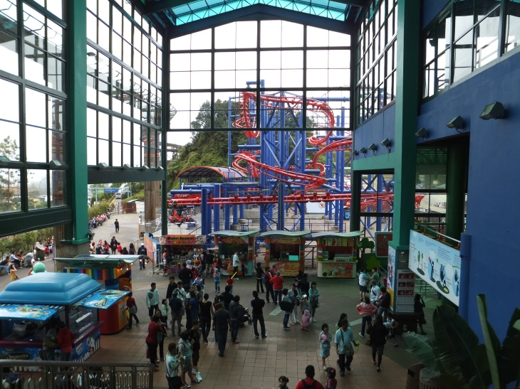 Outdoor Theme Park view from escalator of First World Plaza