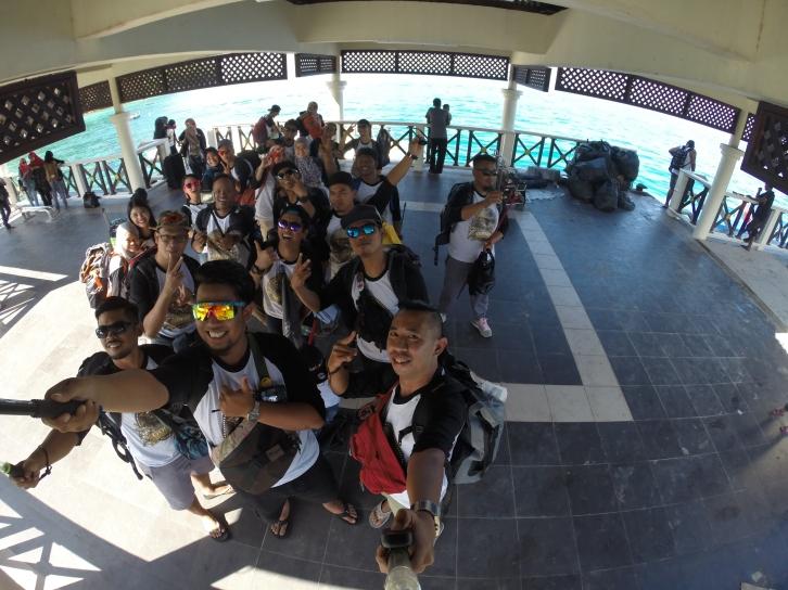 Group Pic at Pulau Perhentian Kecil at Jetty, Pics Credit to Kostonguy using GoPro