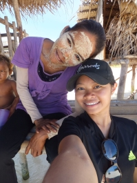 Explore Sabah, Mantabuan Island, Semporna 2014 – Me with the villager and her bedak sejuk