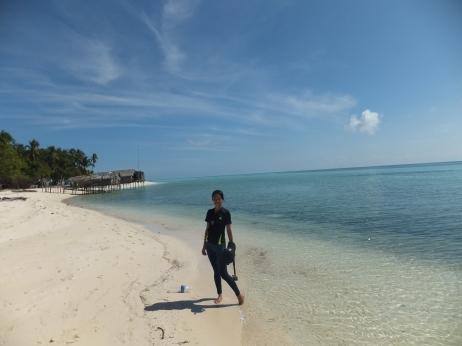 Explore Sabah, Mantabuan Island, Semporna 2014 – Me against the beautiful backgrounds