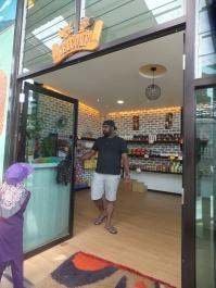 Raju's Hill Strawberry Farm - The souvenir shop