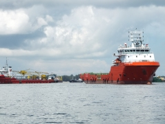 Labuan to Sipitang Speedboat - ships in Labuan water2