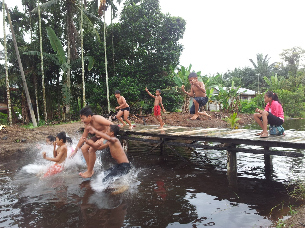 Simple Life of Kampung Kids