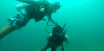 Lia Schmolphin Discover Scuba Diving in TARP Sabah with Diverse Borneo Good Sign