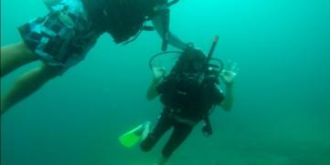 Lia Schmolphin Discover Scuba Diving in TARP Sabah with Diverse Borneo